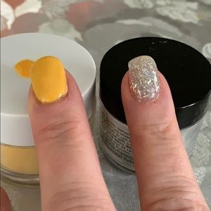 Set of two nail dip powders